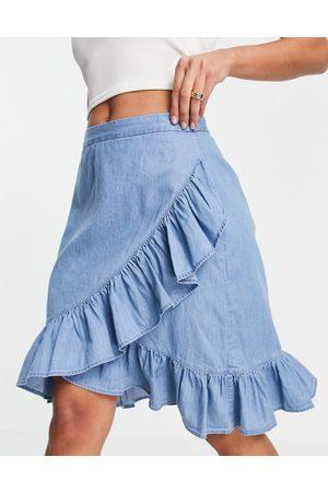 VILA Minifalda azul con volantes de