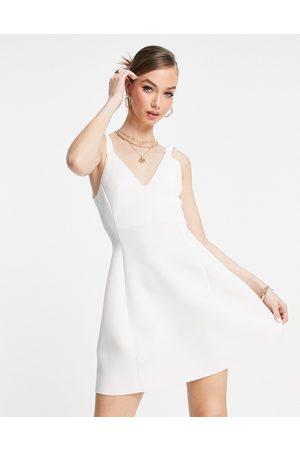 ASOS Vestido corto skater color elástico y fruncido de -Blanco