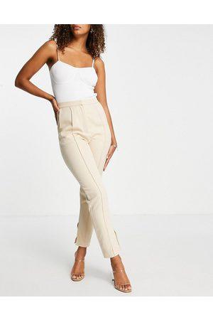Rare Fashion Mujer Pantalones con pinzas - Pantalones color crema de corte cigarette de London (parte de un conjunto)-Blanco