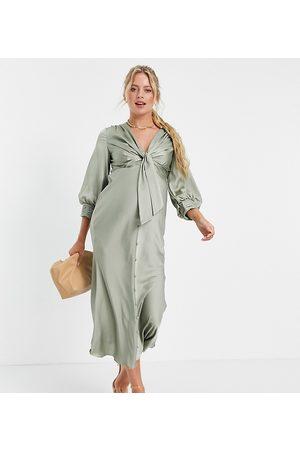 ASOS Vestido midi con lazada en la parte delantera y botones de satén de ASOS DESIGN Maternity-Verde