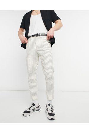 ASOS Pantalones de vestir blanco hueso de corte tapered con raya diplomática de lino de