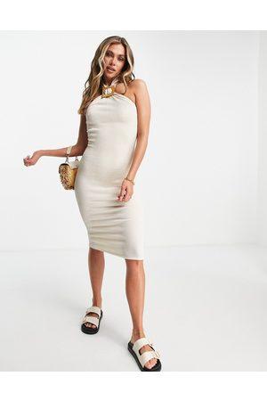 ASOS Mujer De noche - Vestido midi color con cuello halter y anilla de tejido texturizado de -Beis