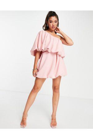 ASOS Mujer De noche - Vestido skater corto rosa asimétrico con diseño abullonado y acabado texturizado de