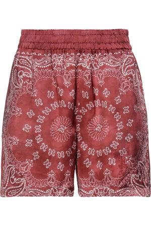 Golden Goose Pantalones cortos y bermudas