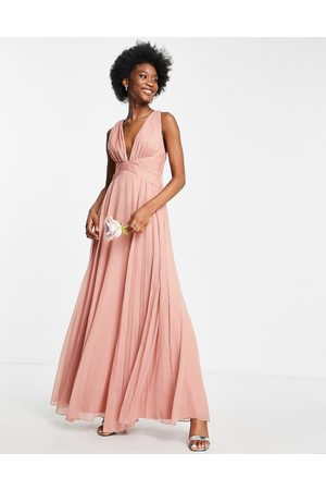 ASOS Vestido de dama de honor largo rosado oscuro con diseño drapeado, cuerpo fruncido y cintura cruzada de