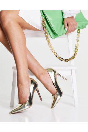 ASOS Zapatos de salón dorados con tacón alto y puntera fina Penza de