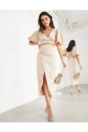 ASOS EDITION Falda semilarga con abertura hasta el muslo de lino de (parte de un conjunto)-Beis