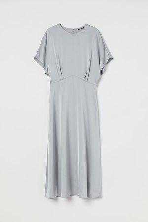 H&M Vestido midi