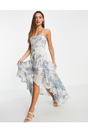 ASOS DESIGN Vestido largo en tonos pastel con estampado y adornos florales de -Multicolor