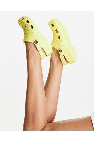 Crocs Zapatos color plátano clásicos de -Amarillo