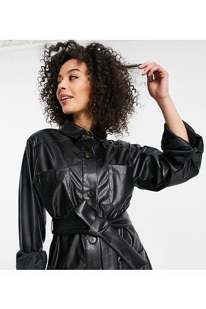 ASOS Mujer De cuero - Sobrecamisa negra con cinturón de efecto cuero de ASOS DESIGN Tall