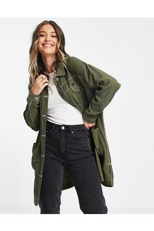 Lee Jeans Abrigo vaquero largo verde oliva con pespuntes en contraste de Lee