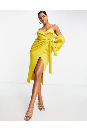 ASOS Mujer De noche - Vestido midi color mostaza cruzado con escote Bardot de -Multicolor