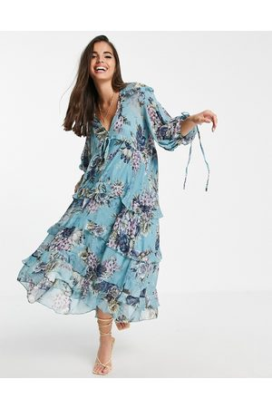 ASOS Vestido midi amplio con estampado floral, diseño a capas y detalle de lazadas de -Beis neutro