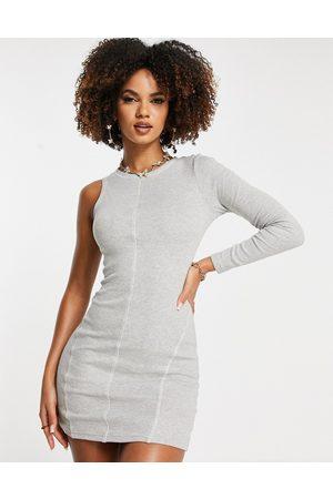 Simmi Clothing Vestido corto asimétrico con pespuntes en contraste de Simmi