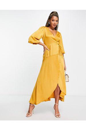 Liquorish Mujer Midi - Vestido midi cruzado color mostaza con mangas abullonadas de