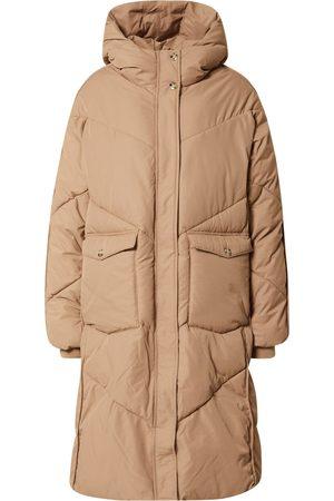 Numph Abrigo de invierno 'BETRI