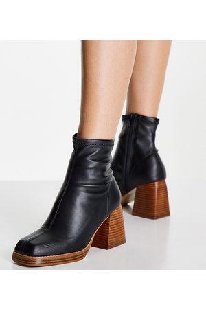 ASOS Botas negras estilo calcetín con puntera cuadrado Ratio de Wide Fit
