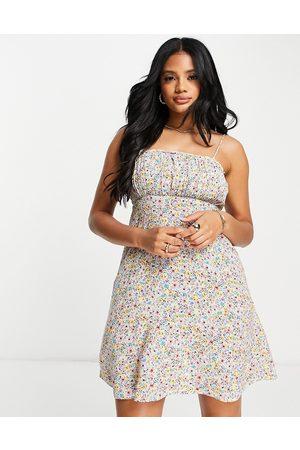 Accessorize Vestido corto fruncido con estampado de florecitas de