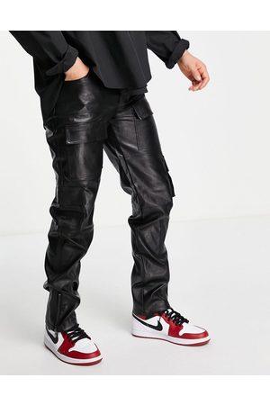 Mennace Pantalones cargo negros efecto cuero de