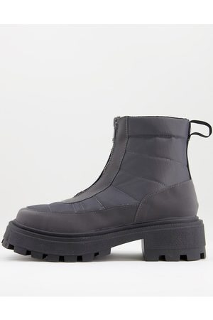 ASOS Botas Chelsea grises con puntera cuadrada, diseño acolchado, detalle de cremallera y suela muy gruesa de nailon de